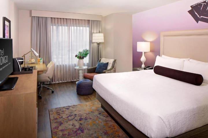 ✨ One King Bedroom Room