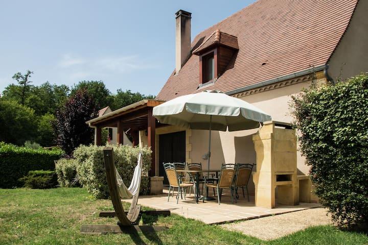 Castelnaud-la-Chapelle的民宿