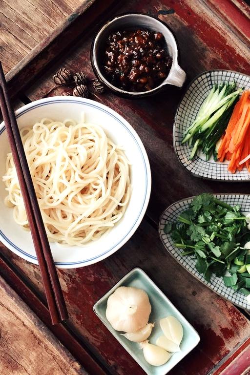 老北京炸酱面从选料到出品谈不上惊艳,但能感觉到生活中的踏踏实实。