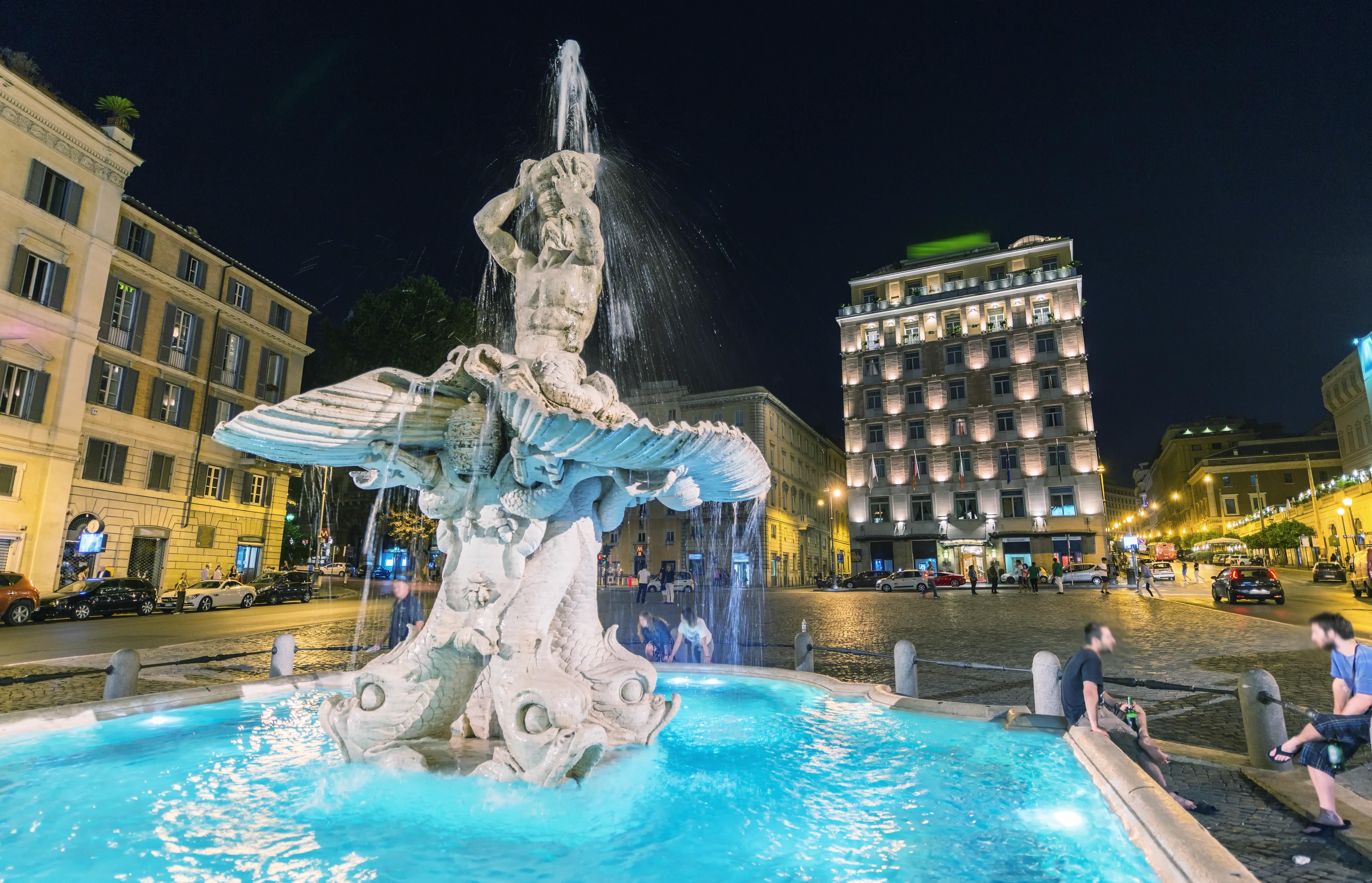 Our meeting point, The Triton fountain
