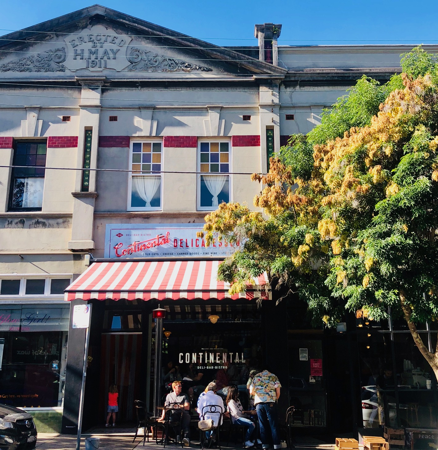 A  quaint Newtown bar & bistro