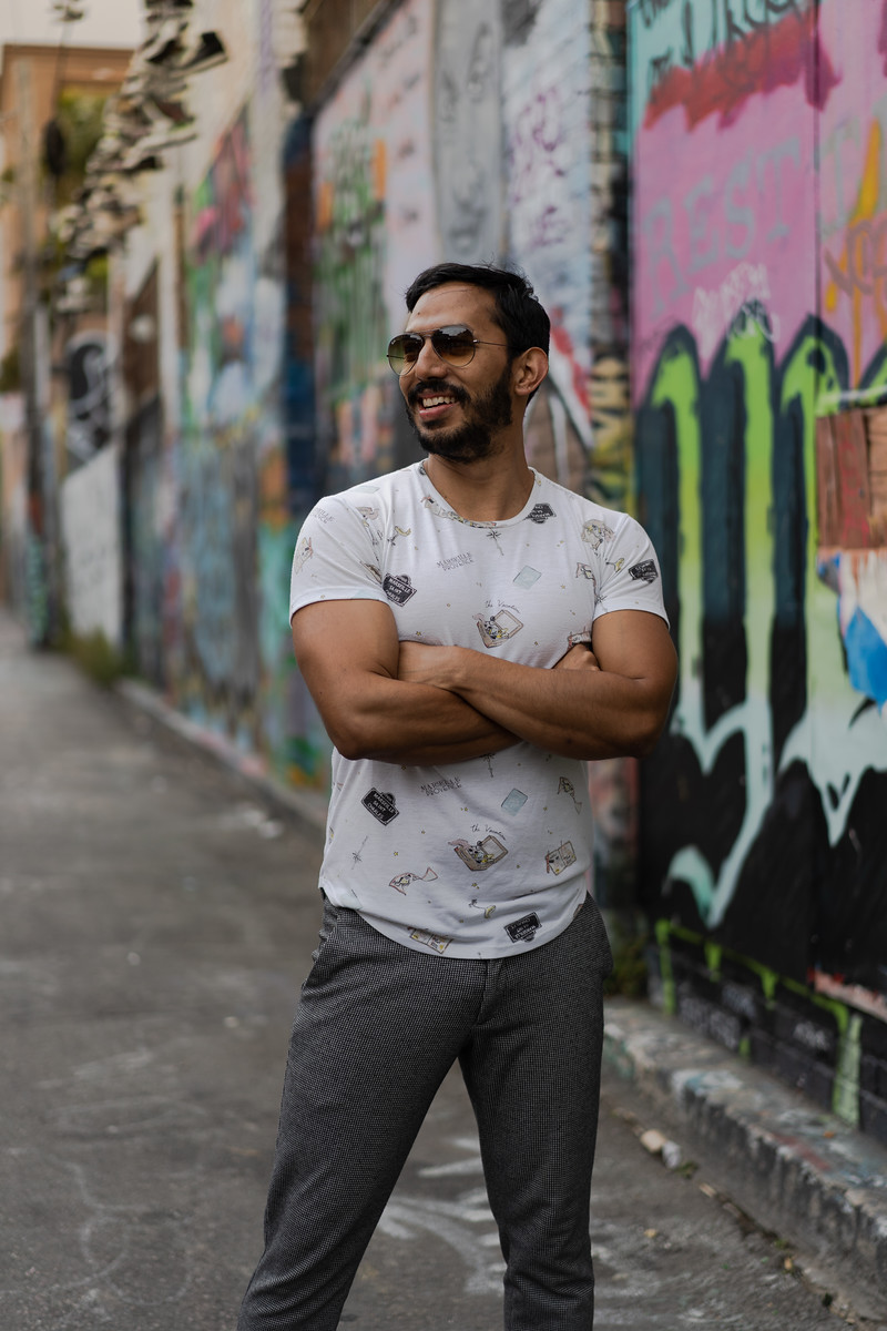 Explore secret alleys and street art.