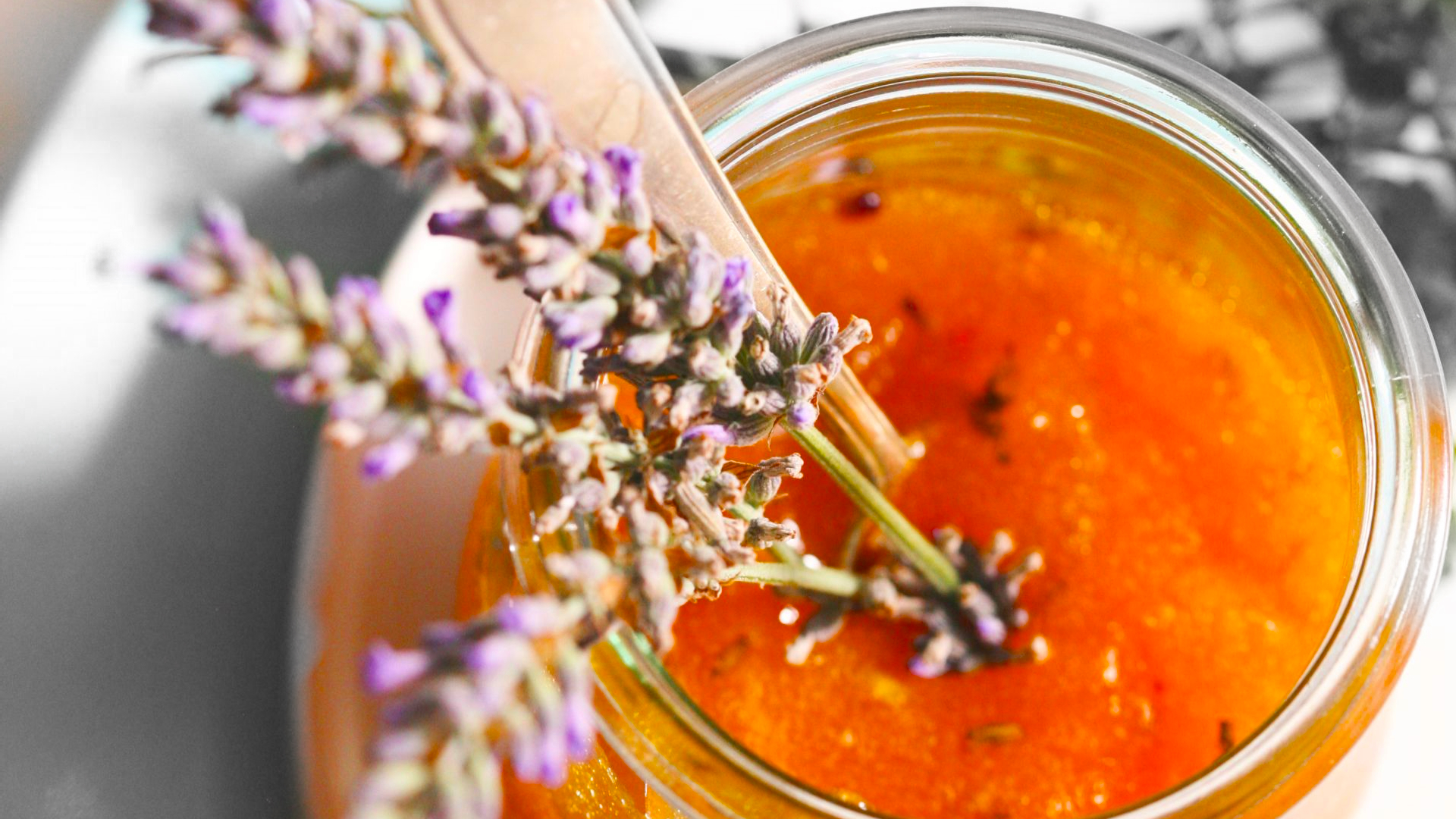 Apricot Marmelade with Lavender