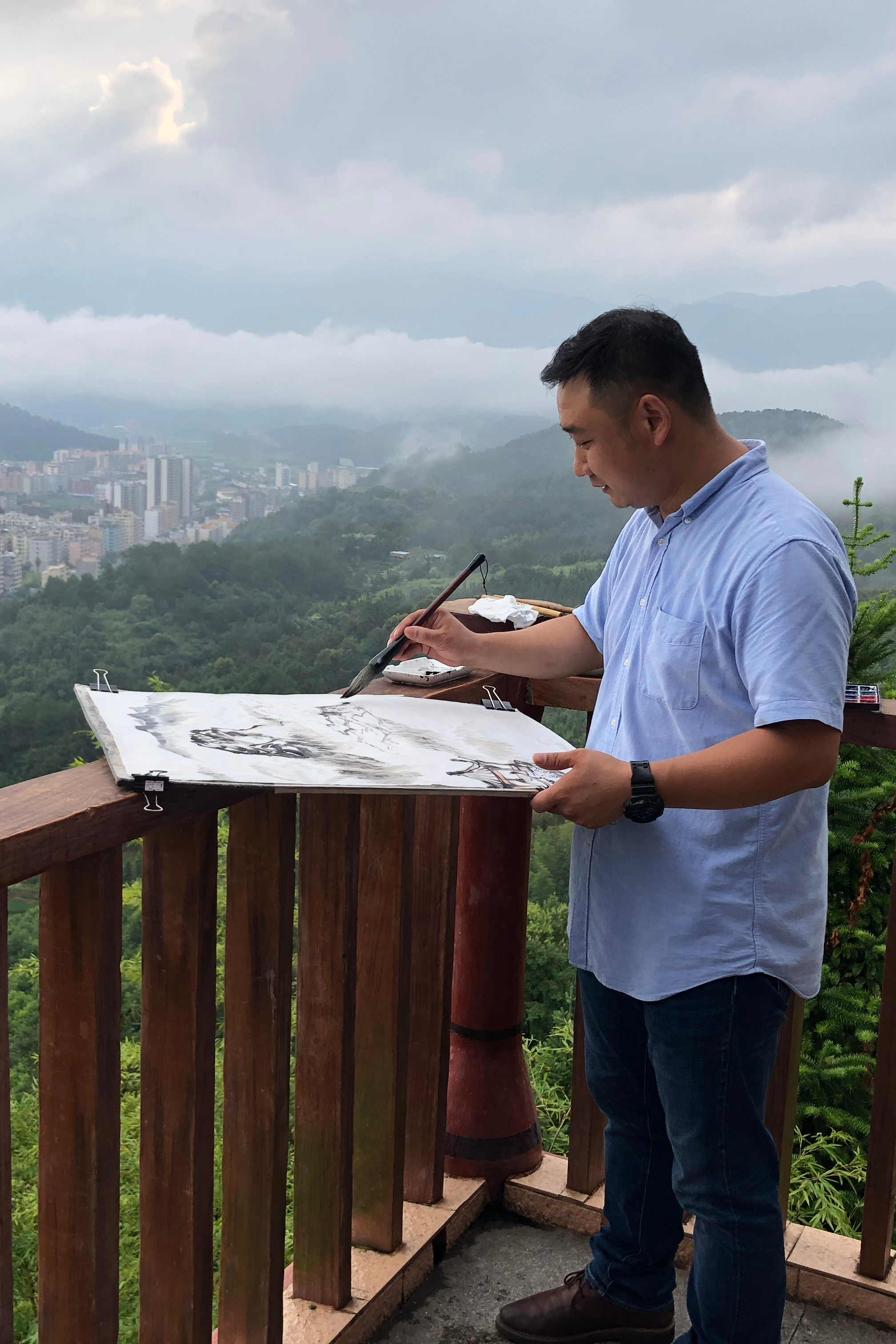 和崔晓勇在广州白云山户外写生