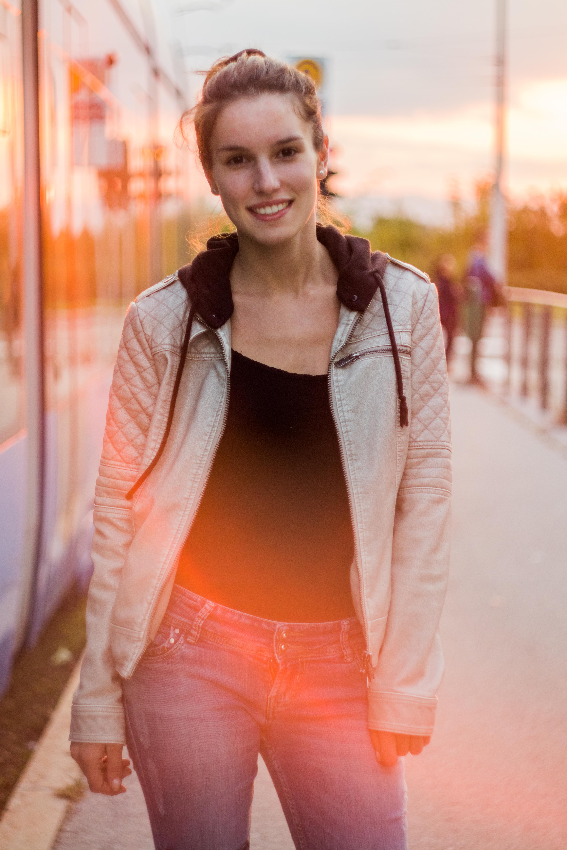 Get amazing urban portraits!