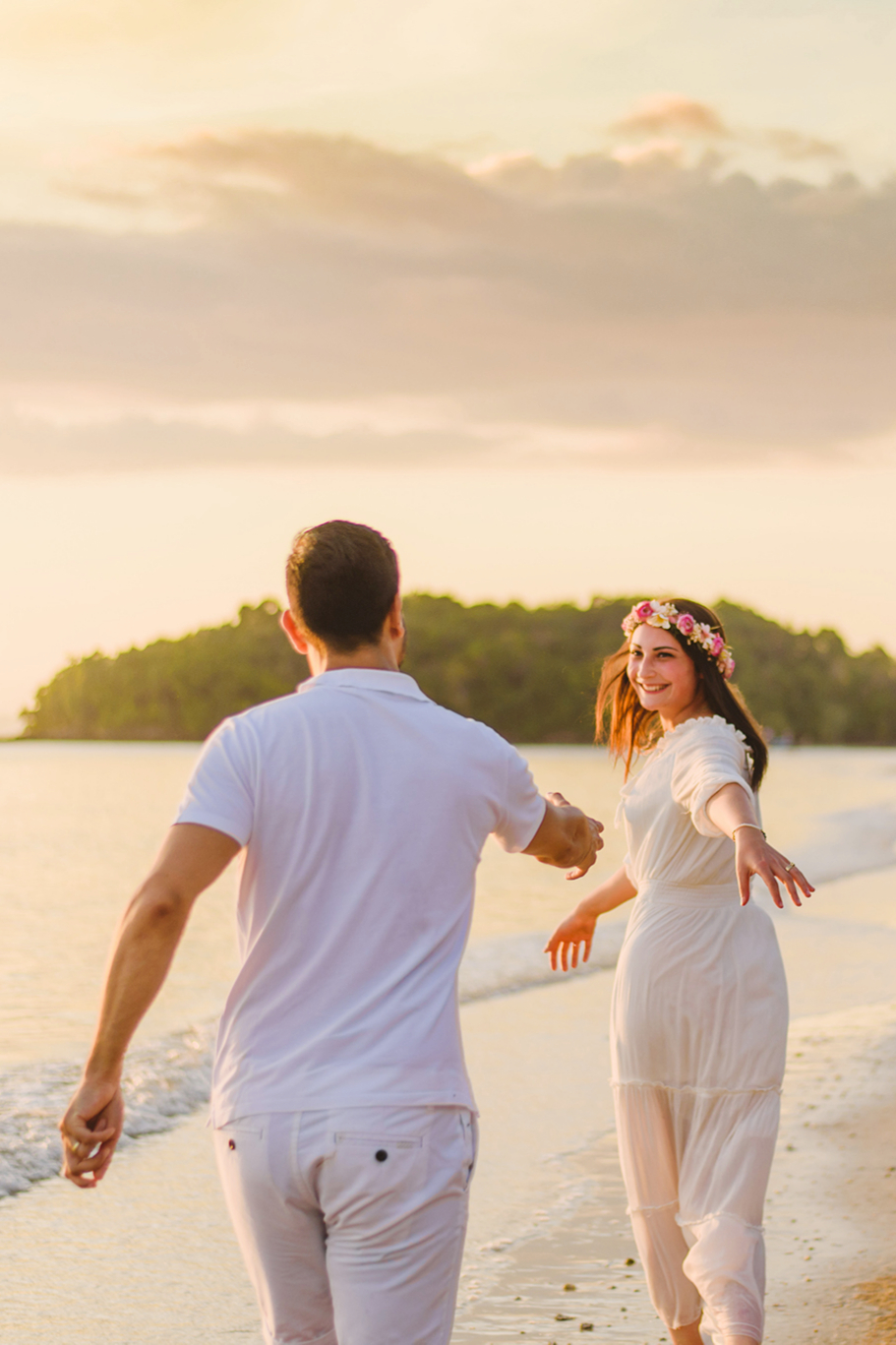 Couple shoot with sunset at Krabi