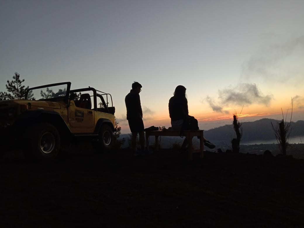 Point of sunrise by clasic jeep