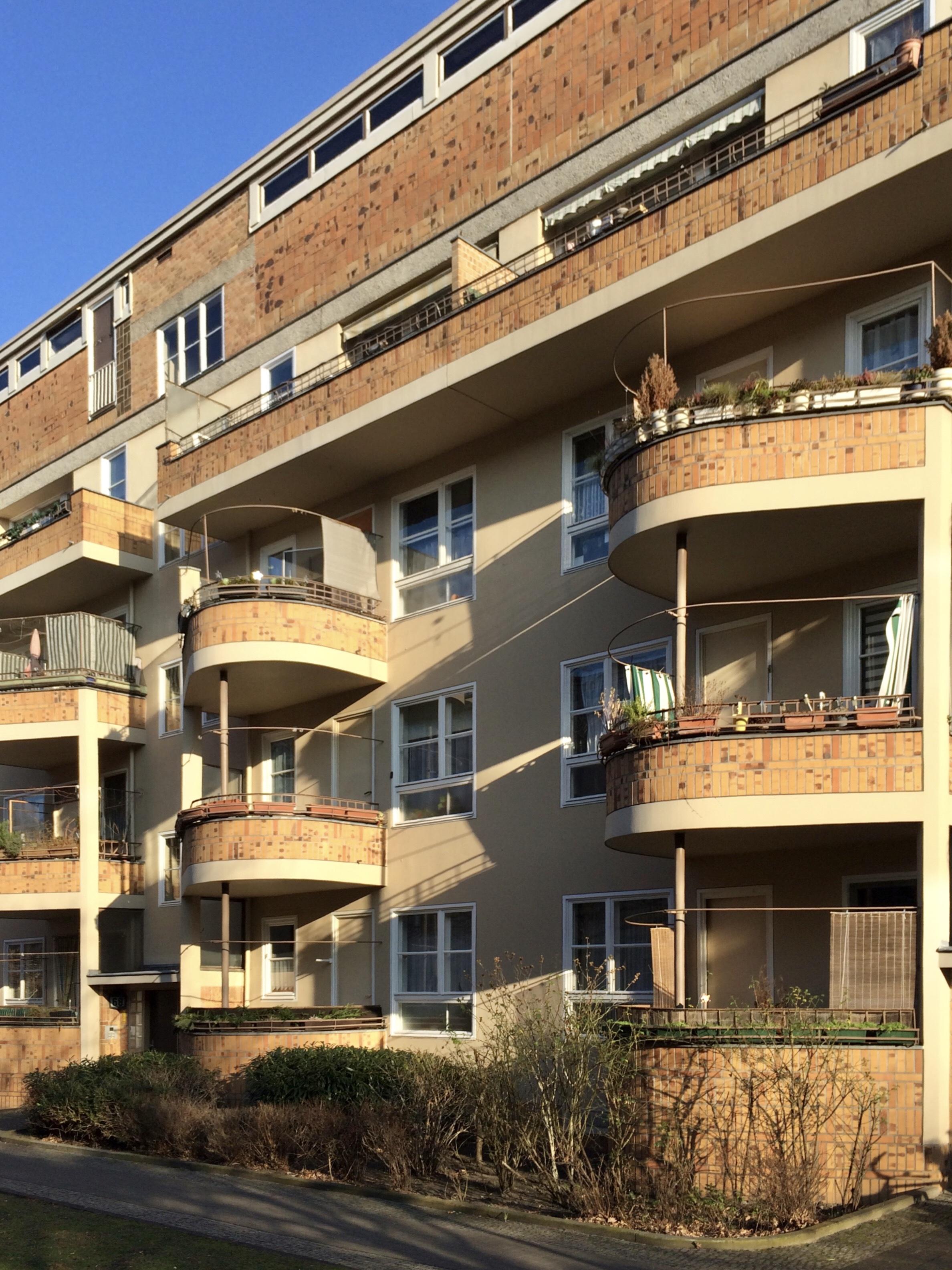 Runde Balkone: Architektur der 1920er