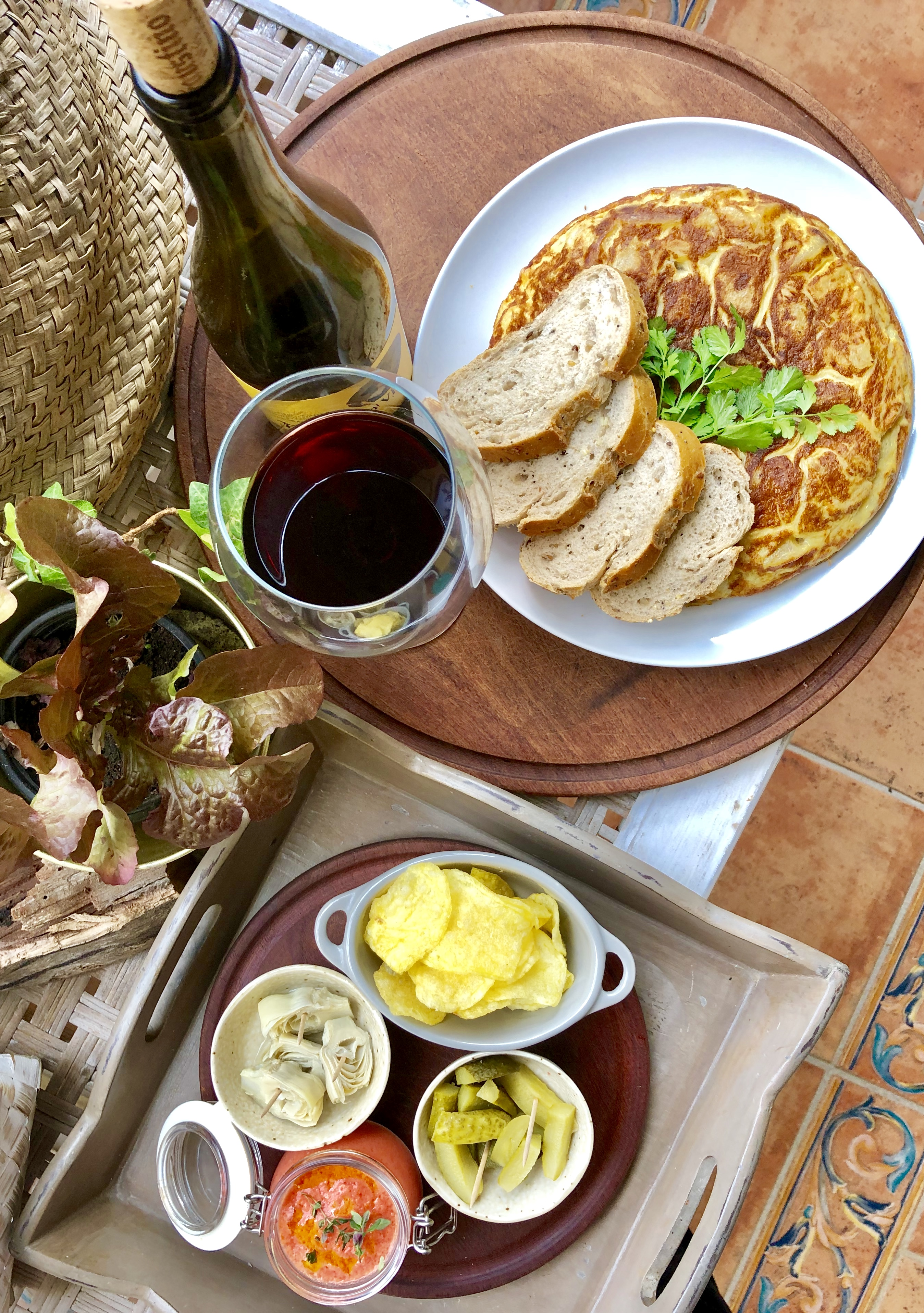 Spanish omelette with snacks