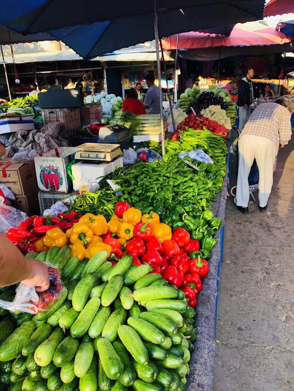 早市新鲜的蔬菜